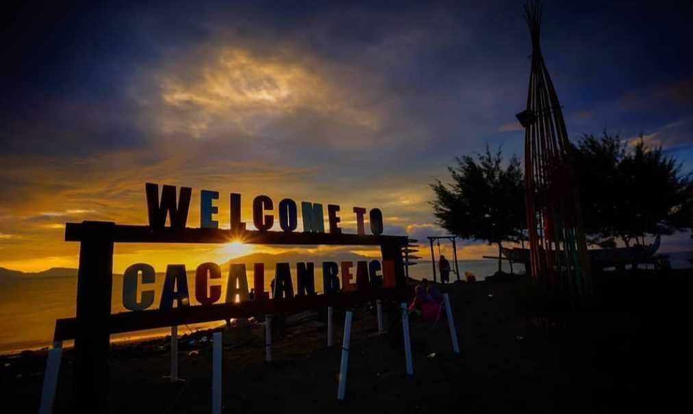 Pantai Cacalan wisata banyuwangi