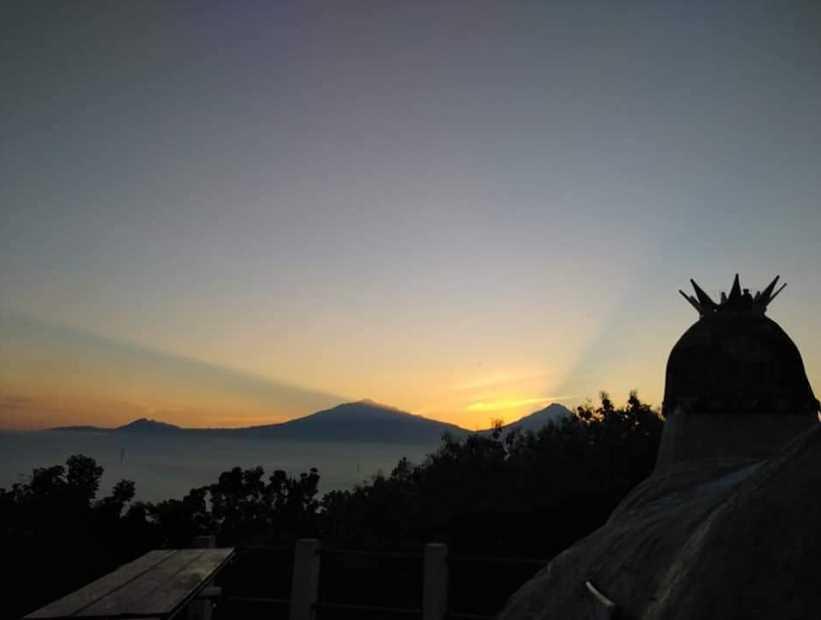 sunrise bukit rhema gereja ayam